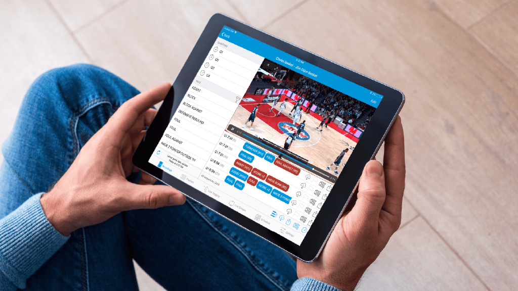 Figure 1: Keemotion's iPad and iPhone applications allow users to review plays in real time.