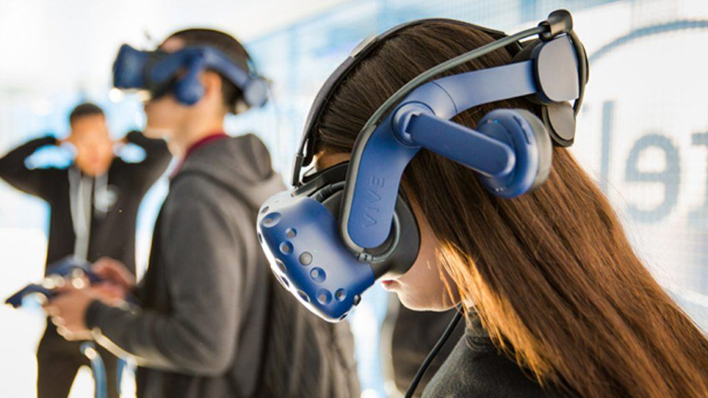 Images - Intel Tech Learning Lab Starts Tour to Shape Education's Future