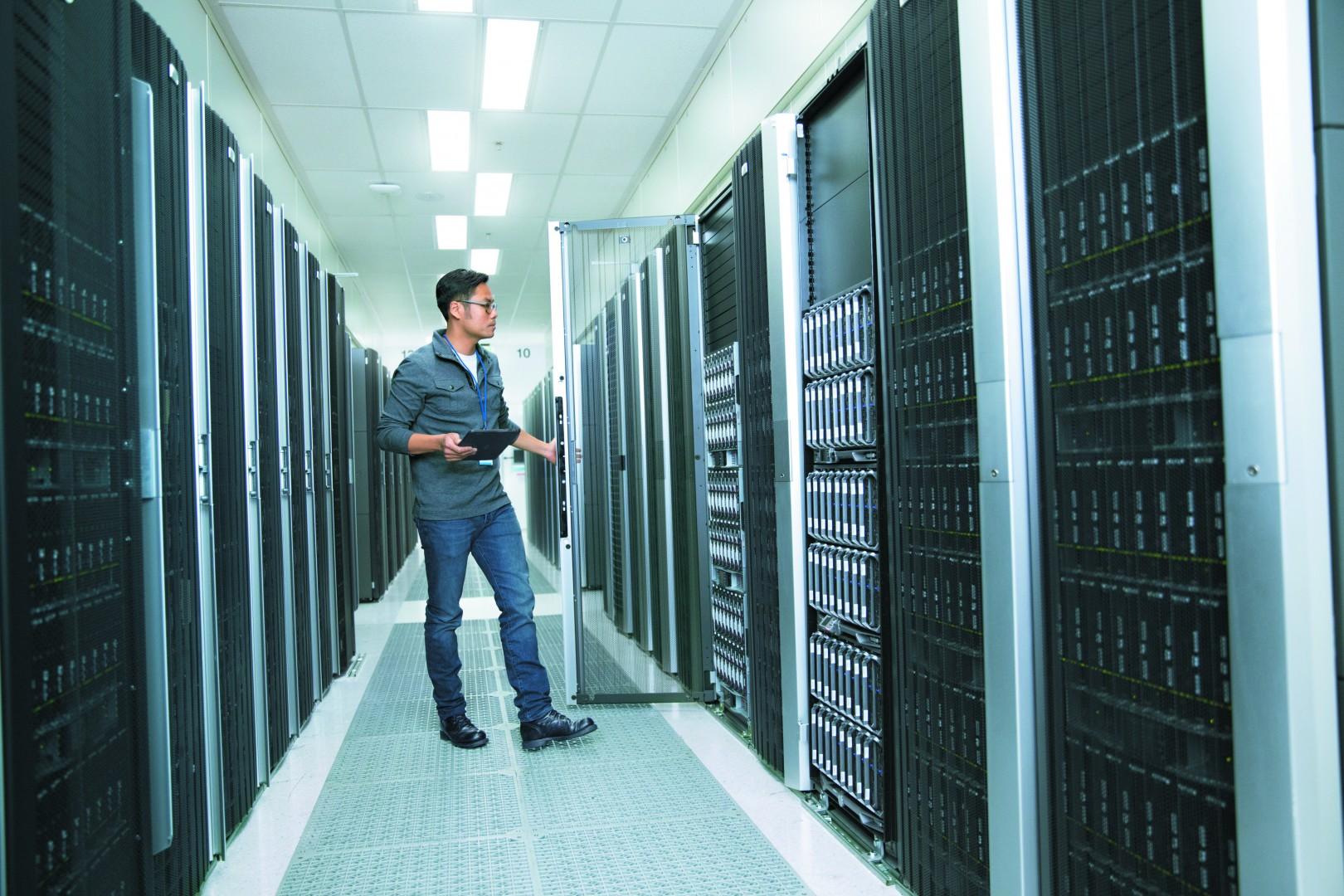 Intel Xeon Processor E7 v4 Server