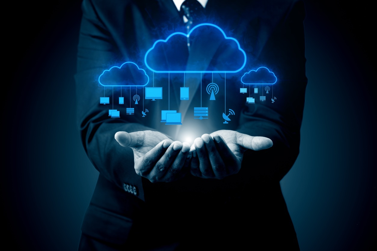 IT ecosystem and hybrid cloud data center