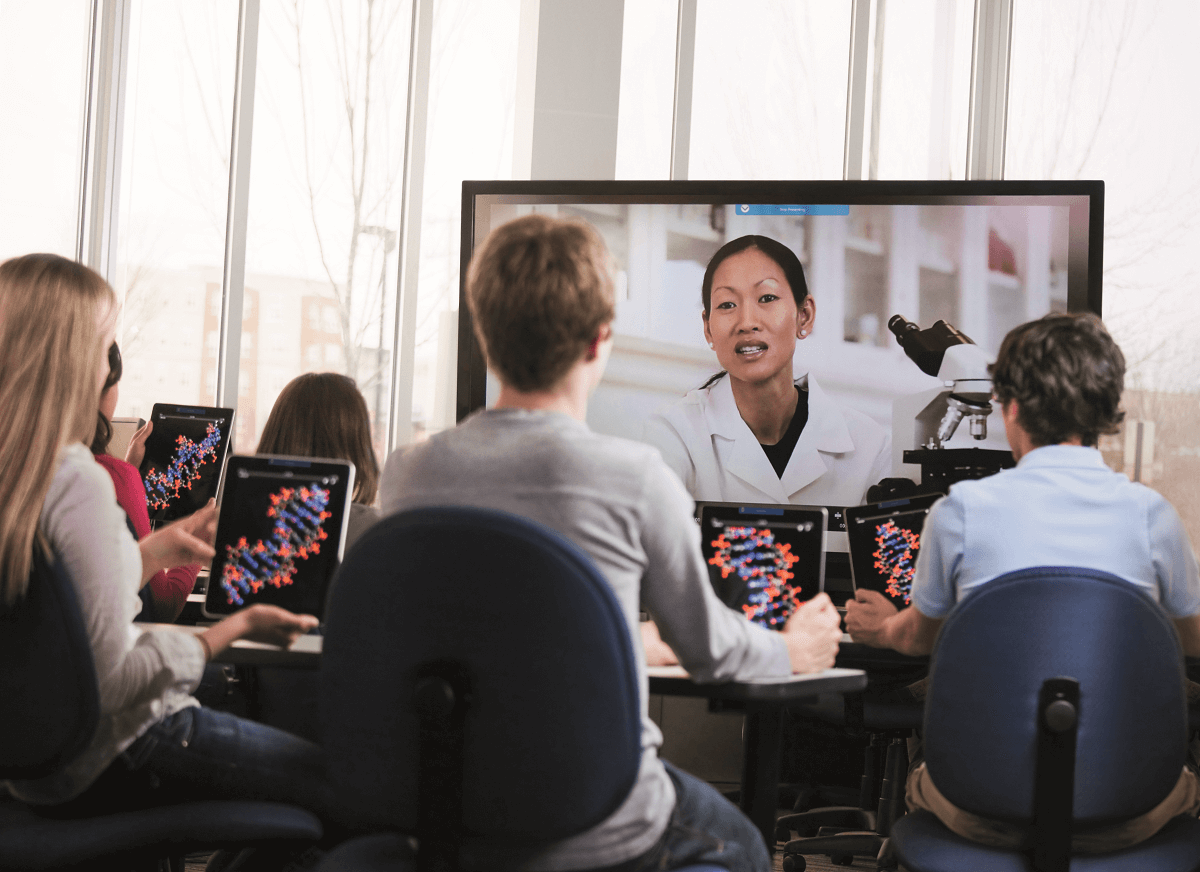 Creating an immersive education learning environment with Intel Unite