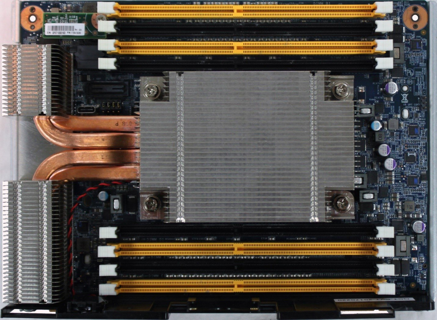 The Twin Lakes memory subsystem implementation includes two DIMMs per channel for a total of eight DIMM sockets.