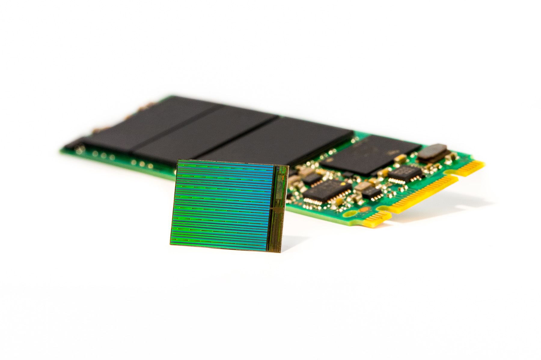 3D+NAND+Die+with+M2+SSD.jpg