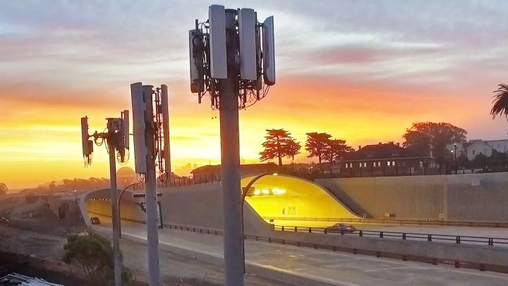 sunset-cell-towers-cropped-rwd.jpg.rendition.intel.web.720.405