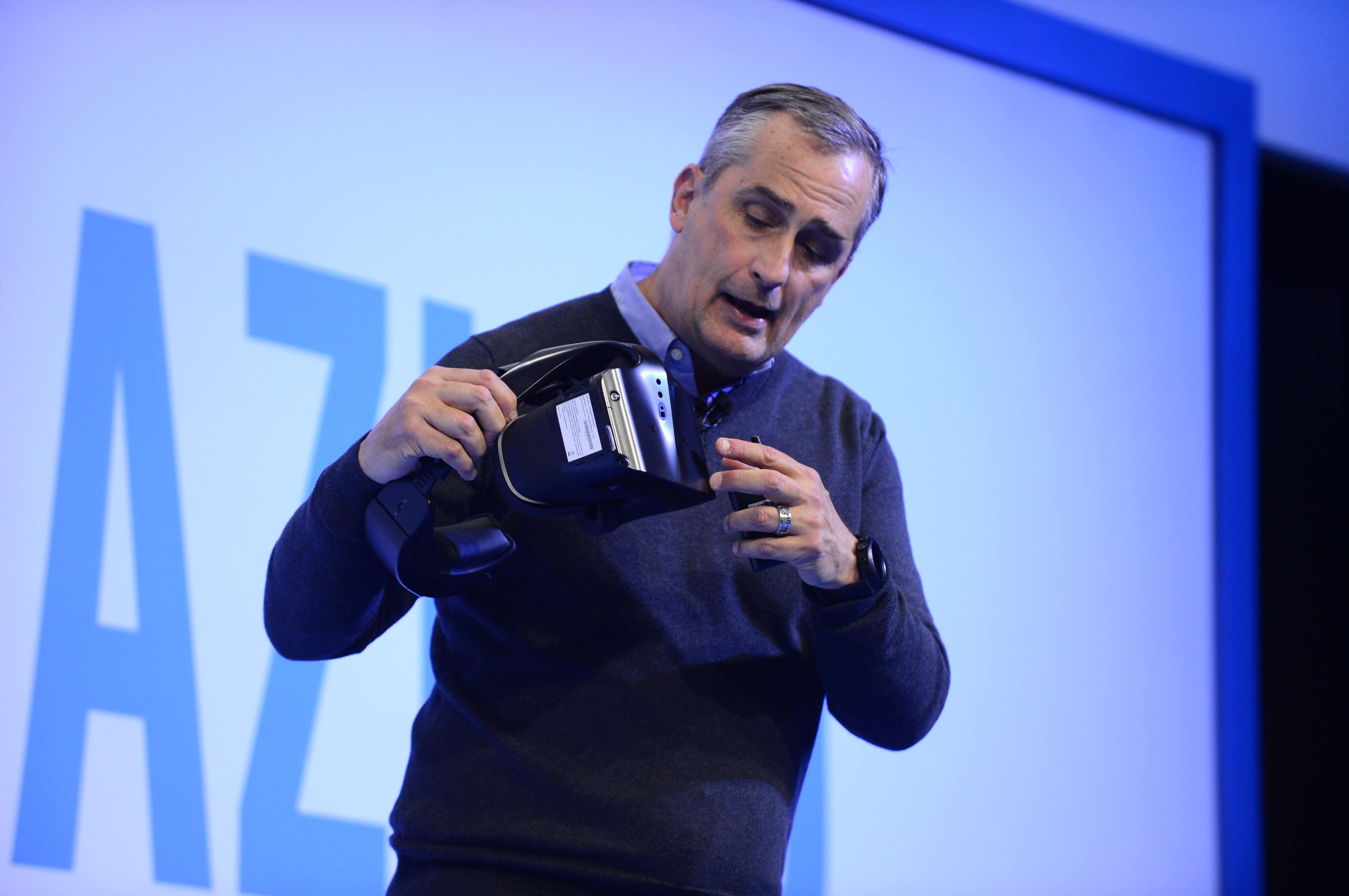 Intel-News-2017CES-16
