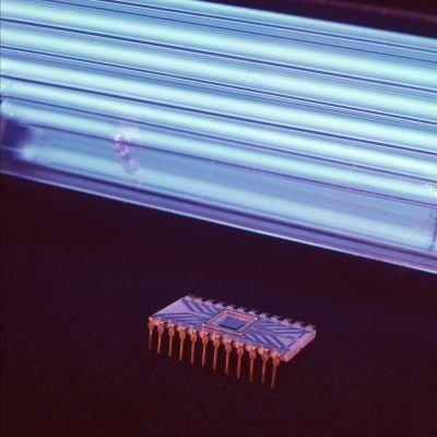Intel-EPROM-1