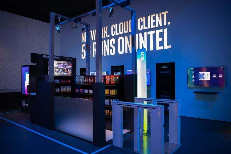 Intel-MWC-Booth-1-1