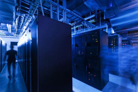 data-center-lights-out-walking-racks-0Z0A6659-1-3×2