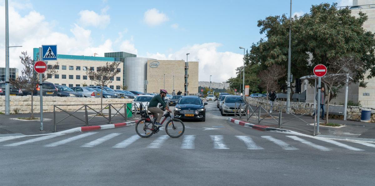 Mobileye-pedestrian-3
