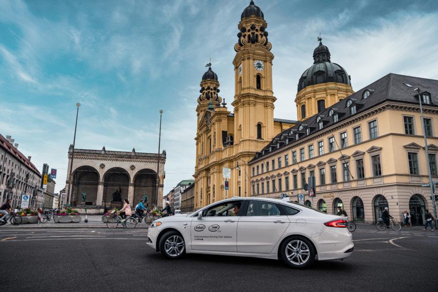 Press Release AV Testing Germany – AV Test Vehicle in Munich_1_print
