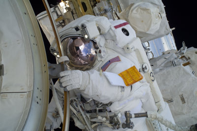 RESIZE - ISS-33_American_EVA_06_Sunita_Williams.jpg