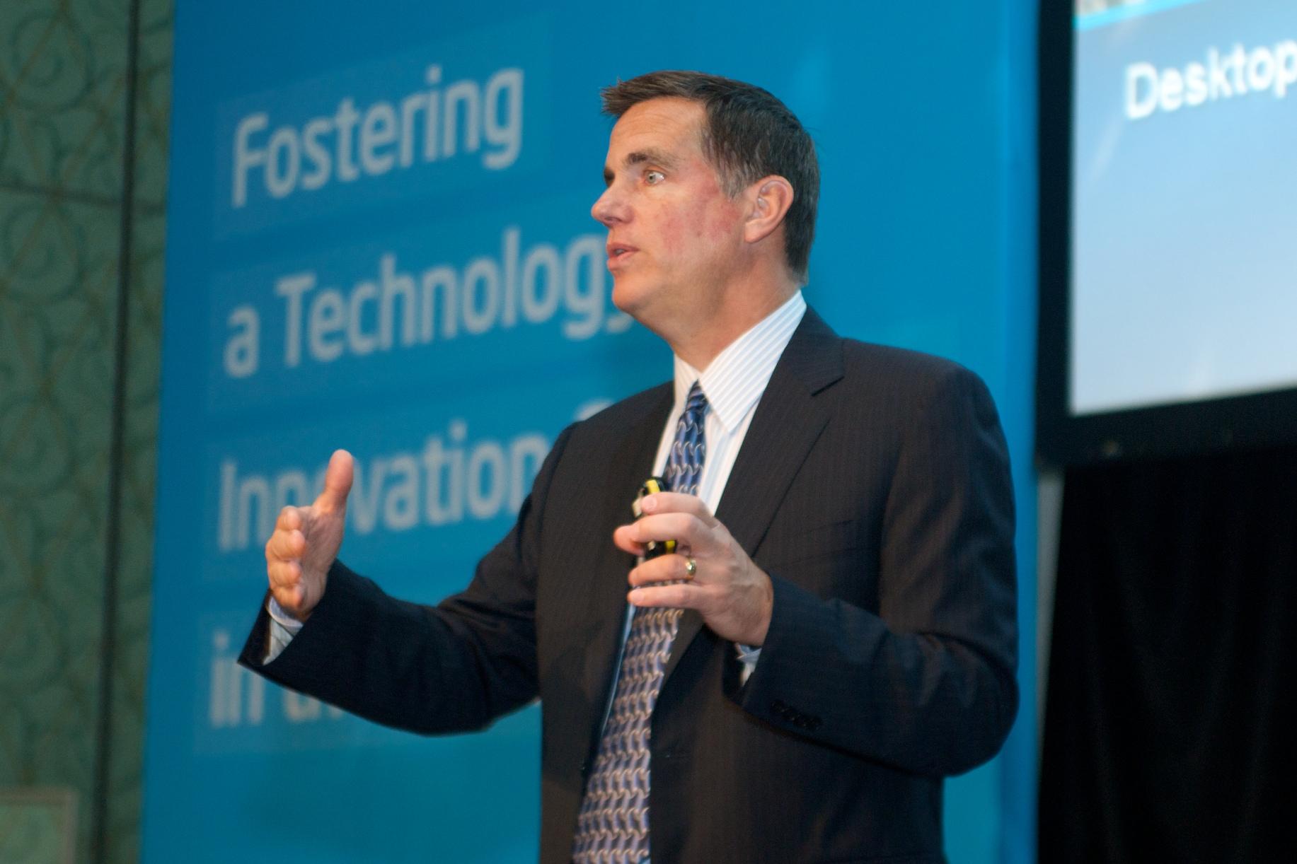 Intel Senior VP Tom Kilroy, DUBAI KEYNOTE, Fostering an Innovation Economy in the Middle East, 27SEP2010.jpg