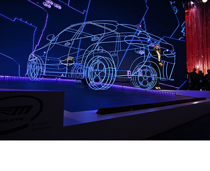 A digital car installation displays how Mobileye sensors interpr