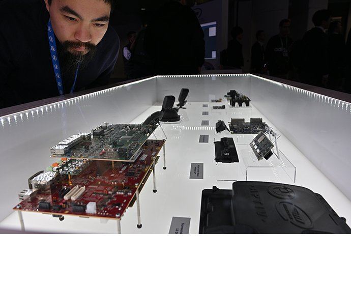 Guests have an under-the-hood look at Mobileye technology poweri