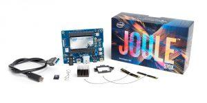 El módulo Intel® Joule™, una sofisticada tarjeta con una cámara Intel® RealSense™ para detección de profundidad dirigida a desarrolladores de Internet de las Cosas (IoT), emprendedores y empresas establecidas. (Crédito: Intel Corporation)