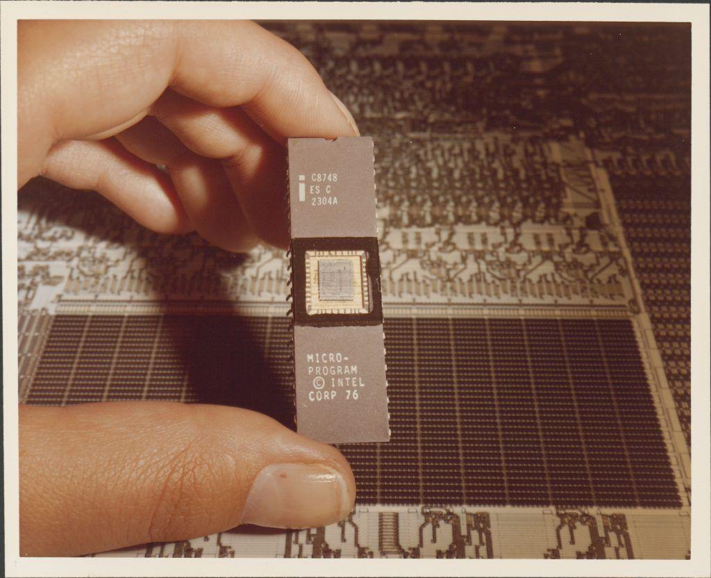 Intel-MCS-48-family-4
