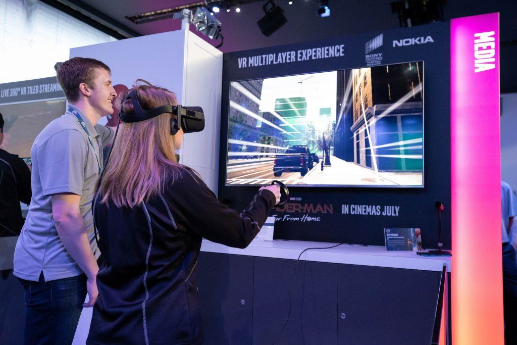 Intel-MWC-Booth-1-6