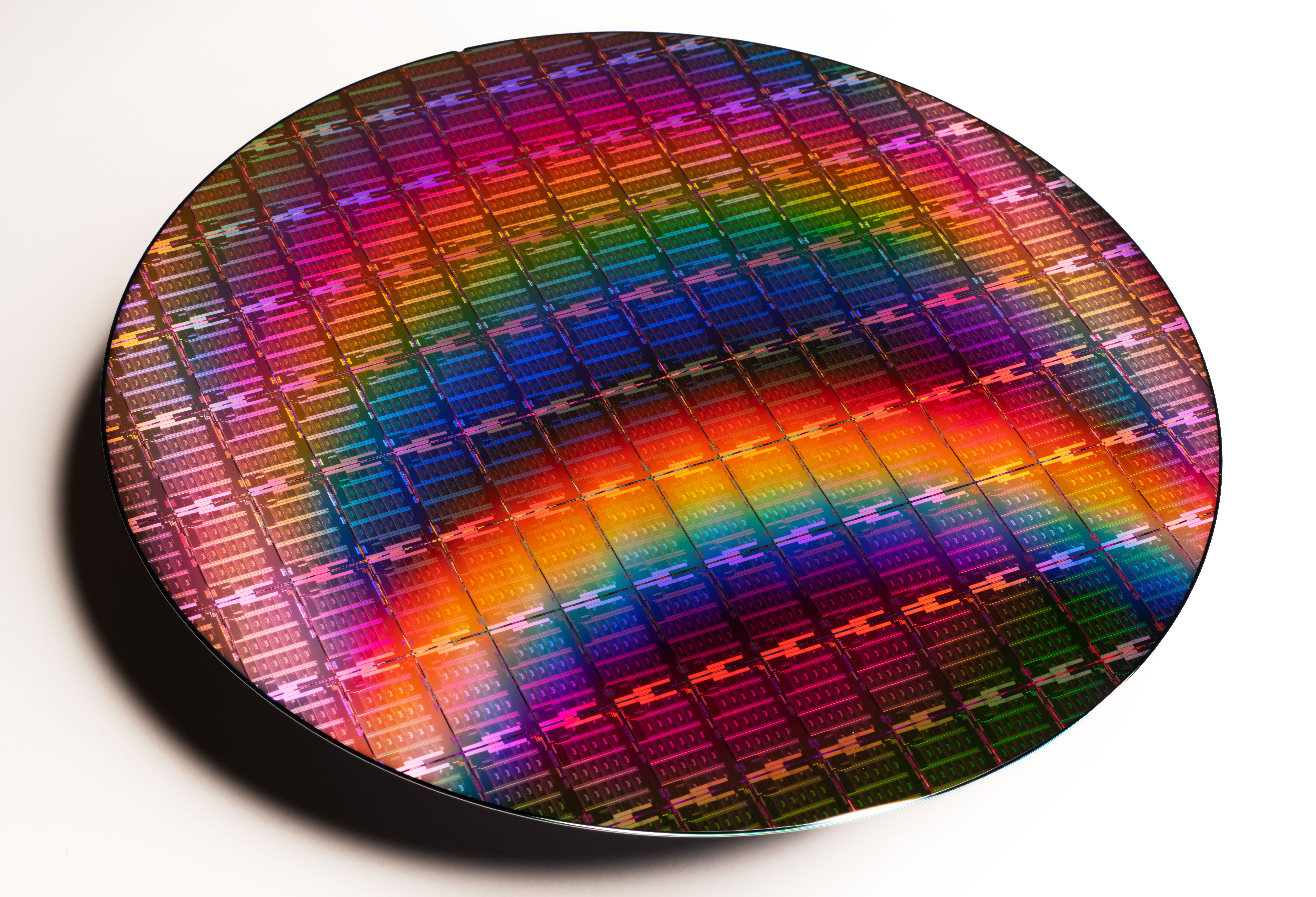 Intel-3rd-Gen-Xeon-Scalable-Wafer-2