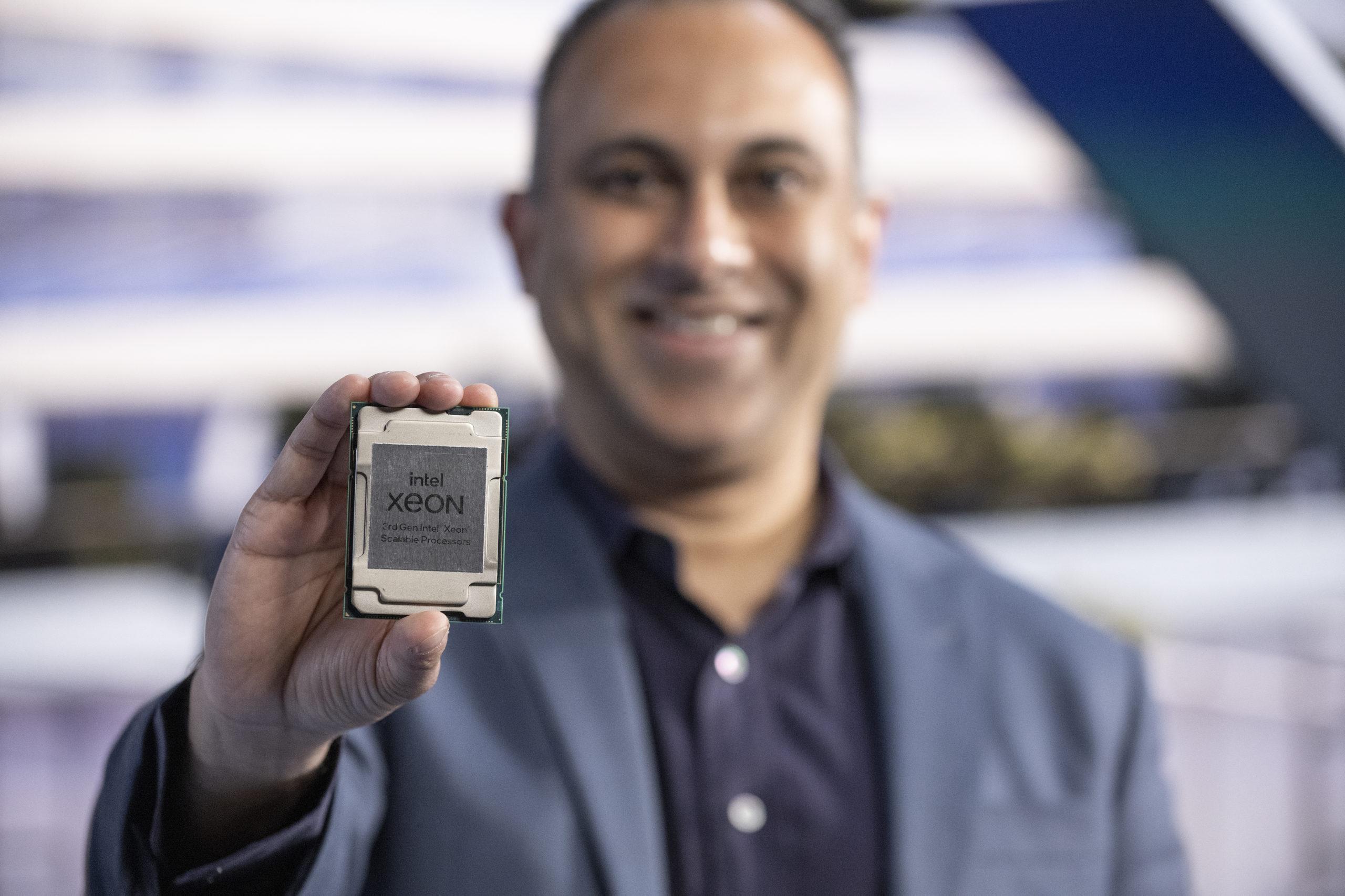 Intel-Navin Shenoy-3rd-Gen-Xeon-2