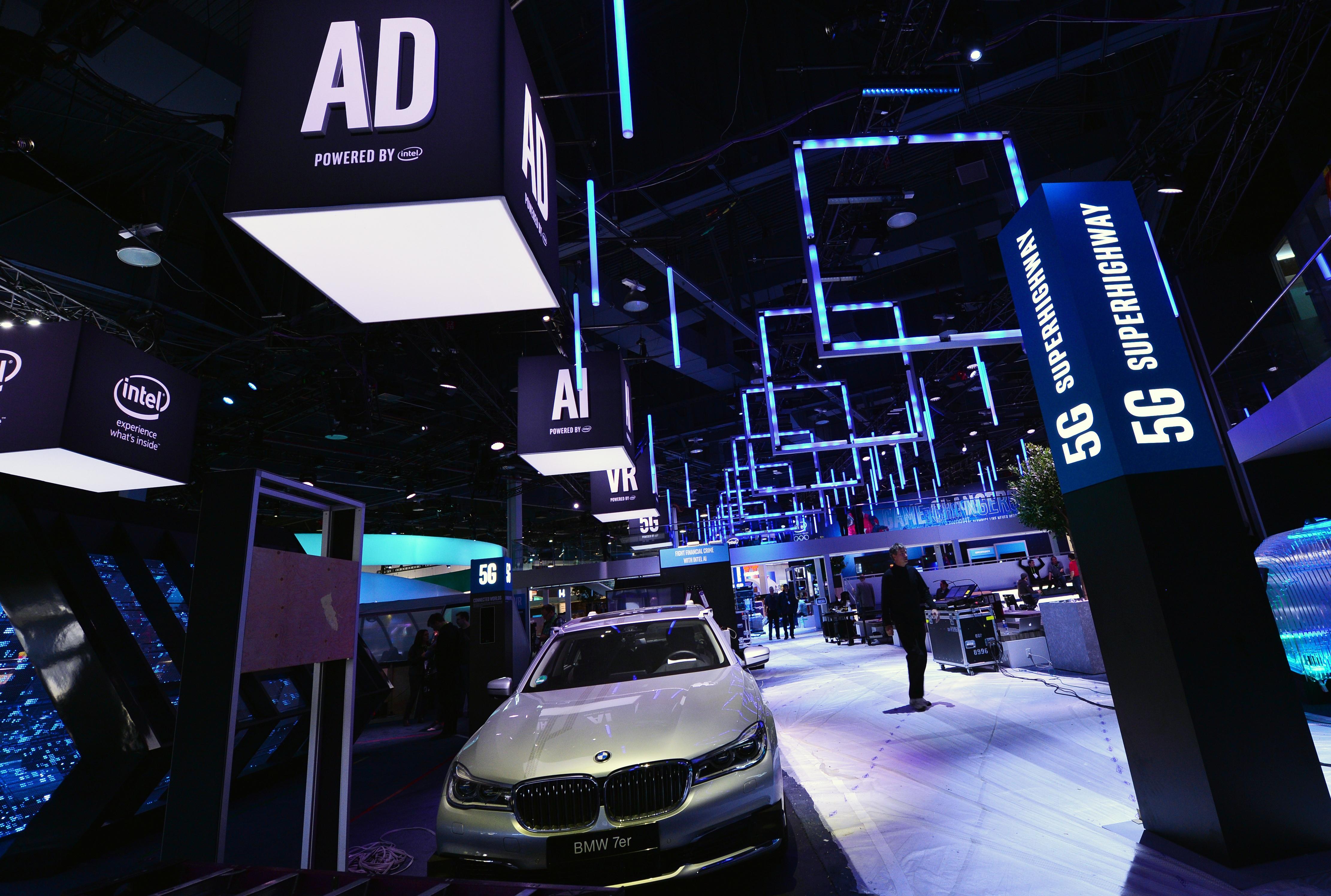 Intel-2018-CES-Booth-prep