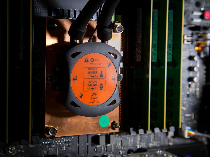 Intel-Xeon-W-3175X-1