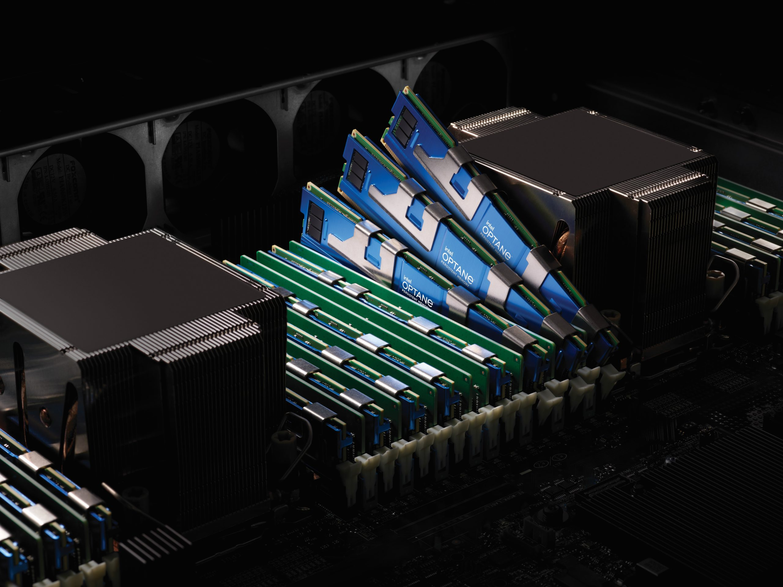 Intel-Optane-PMem-200-series-motherboard