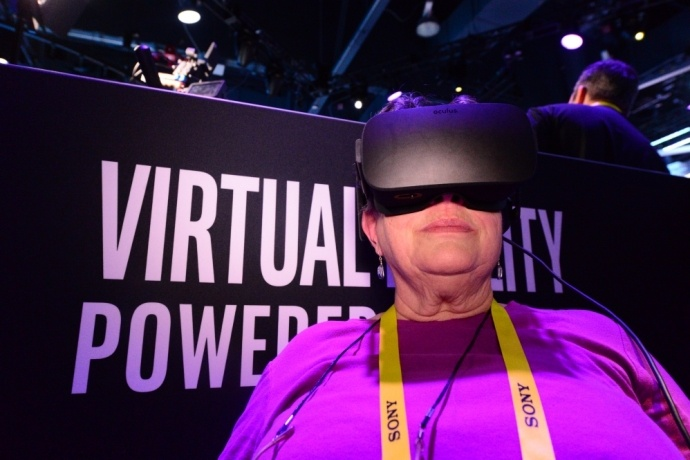 intel-booth-ces2017-3s-690x460_c