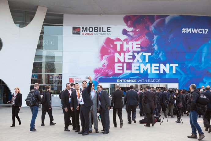 2017-mwc-day-1-8