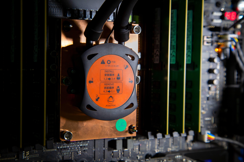 Processador Intel Xeon W-3175X chega ao mercado: potência