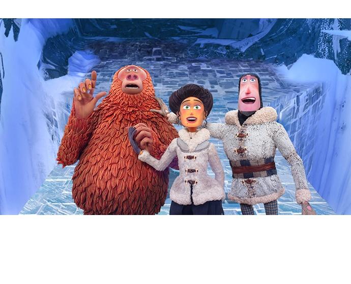 """Susan (da esquerda), Adelina e Sir Lionel ficam maravilhados ao olhar para Shangri-La no """"Link Perdido"""" da Laika. (Imagem cortesia de Laika)"""