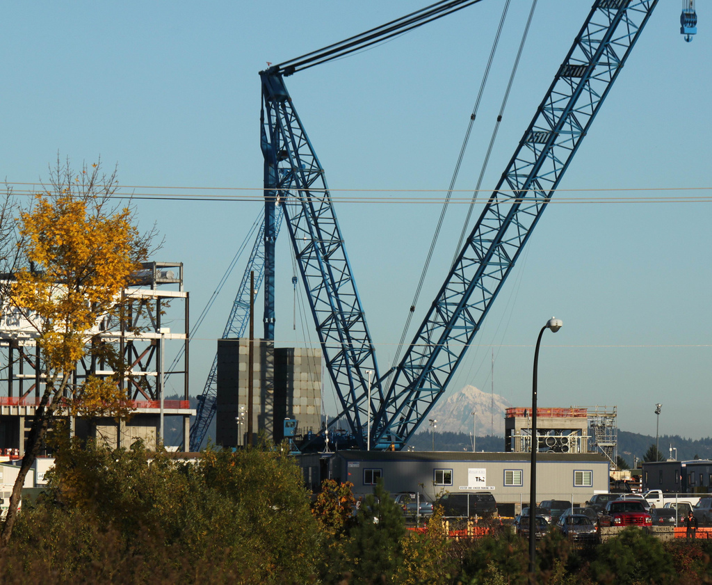 Giant Crane Finishes Job at High-Tech Factory   Intel Newsroom
