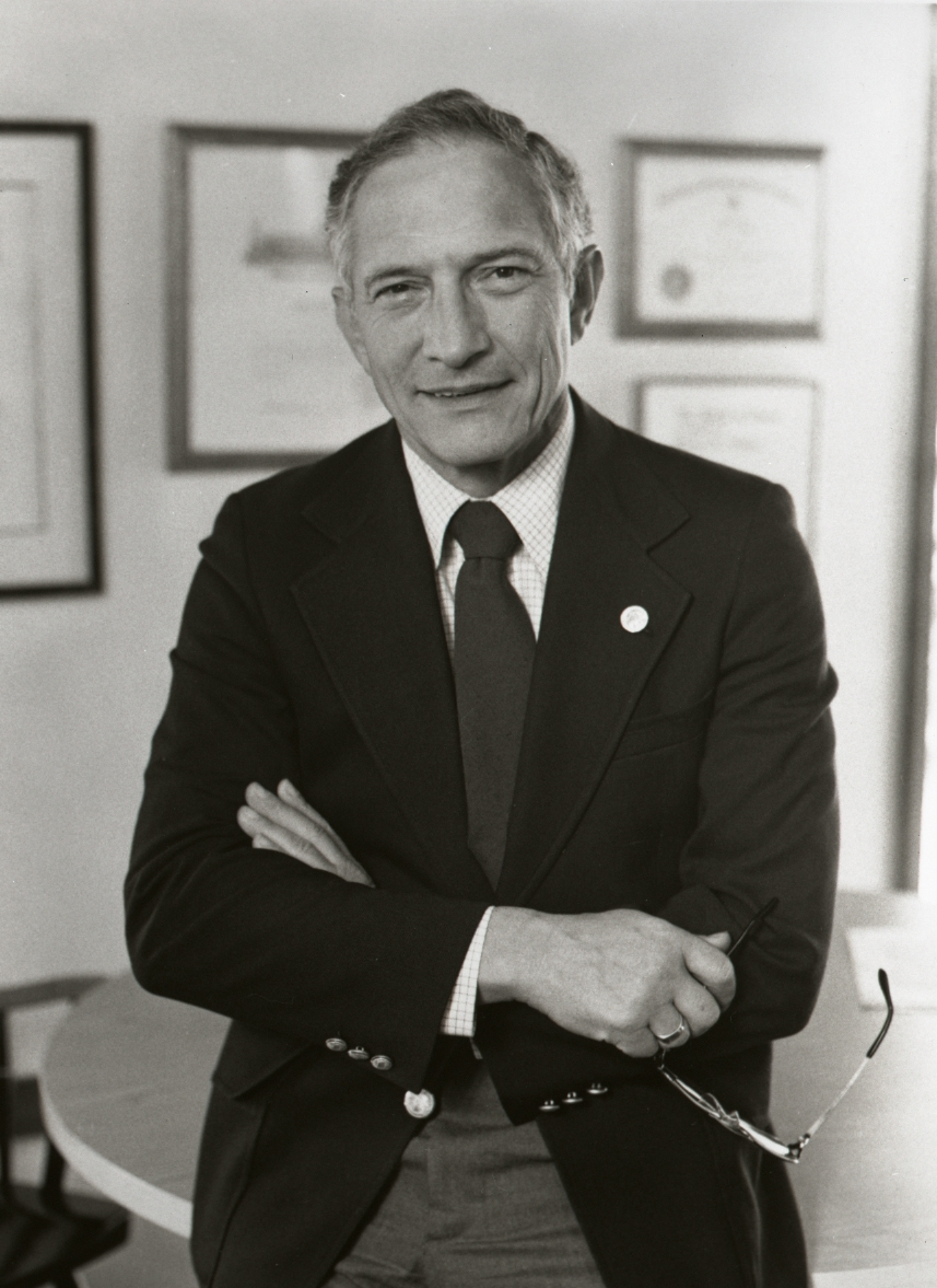 robert noyce founded two companies that shaped todays computer industry Four years later he won a senate seat, and two years after that he was running as dwight eisenhower's vice president thomas points out the incongruity of a man so.