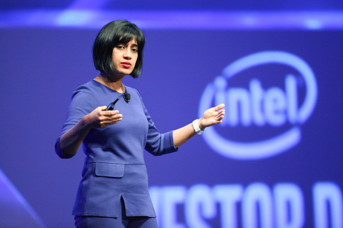 Intel's Asha R. Keddy, vice president of the Client and Internet of Things Businesses and Systems Architecture Group and General Manager of Next Generation and Standards, speaks to investors and media about network needs and the evolution of 5G as part of an investor event at the 2016 Intel Developer Forum in San Francisco on Thursday, Aug. 18, 2016. (Credit: Intel Corporation)