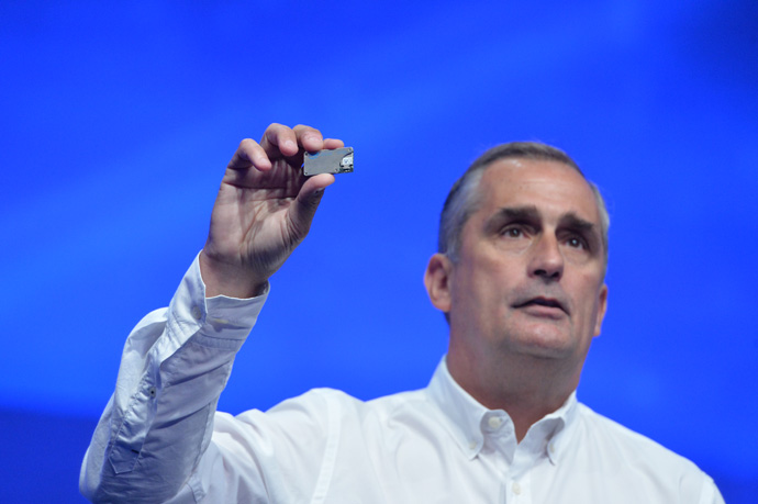 Intel CEO Brian Krzanich displays a Joule maker board at the 2016 Intel Developer Forum in San Francisco on Tuesday, Aug. 16, 2016, during his opening keynote presentation. His presentation offered perspective on the unique role Intel will play as the boundaries of computing continue to expand. (Credit: Intel Corporation)