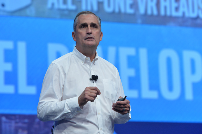 Intel CEO Brian Krzanich welcomes thousands of developers to the 2016 Intel Developer Forum in San Francisco on Tuesday, Aug. 16, 2016, with an opening keynote presentation. His presentation offered perspective on the unique role Intel will play as the boundaries of computing continue to expand. (Credit: Intel Corporation)