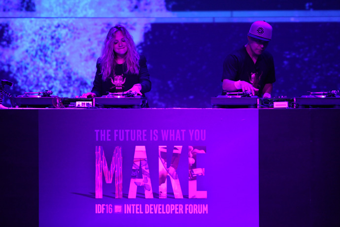 Musicians perform before the opening keynote using instruments based on Intel technology at the 2016 Intel Developer Forum in San Francisco on Tuesday, Aug. 16, 2016. (Credit: Intel Corporation)