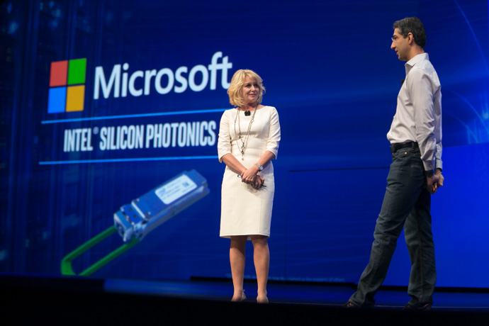 Diane M. Bryant, Intel executive vice president and general manager of its Data Center Group, introduces Kushagra Vaid, general manager and cloud hardware engineer at Microsoft, at the 2016 Intel Developer Forum in San Francisco on Wednesday, Aug. 17, 2016. During her keynote address, Bryant and Vaid spoke of Microsoft's success using Intel Silicon Photonics. (Credit: Intel Corporation)