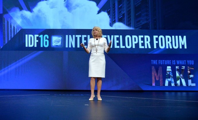 Diane M. Bryant, Intel executive vice president and general manager of its Data Center Group, speaks at the 2016 Intel Developer Forum in San Francisco on Wednesday, Aug. 17, 2016. During her keynote, Bryant spoke of the demand on connectivity in an increasingly connected world and announced the start of mass production of Intel Silicon Photonics. (Credit: Intel Corporation)