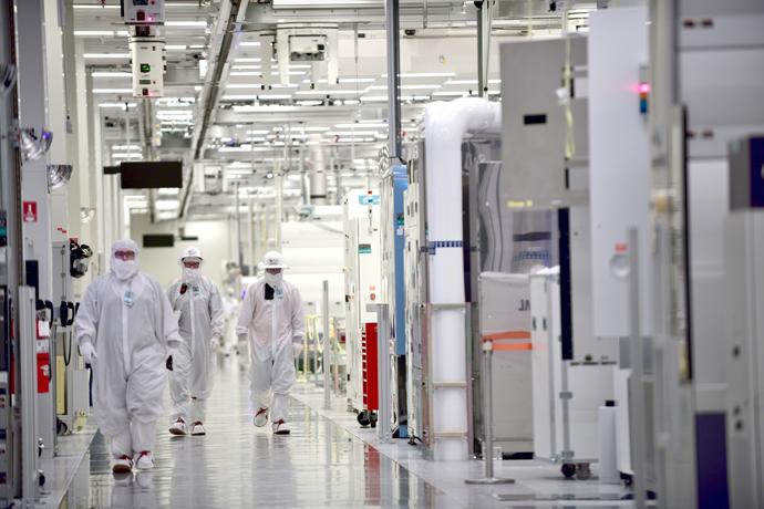 Intel-Manufacturing-11