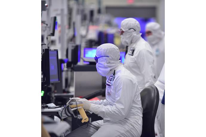 Intel-Manufacturing-12