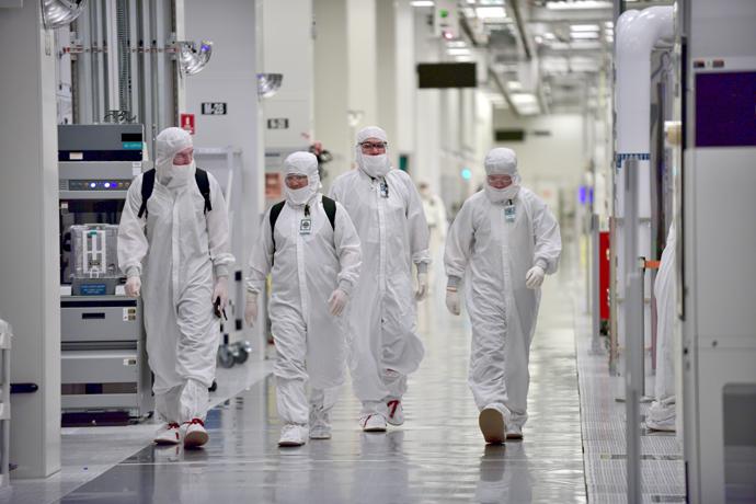 Intel-Manufacturing-14