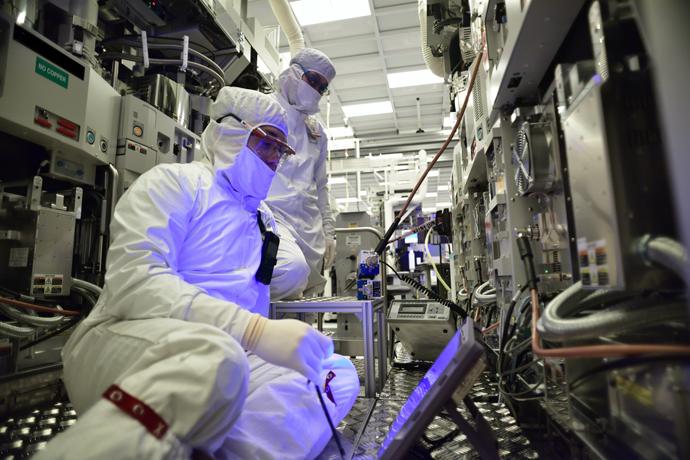 Intel-Manufacturing-29