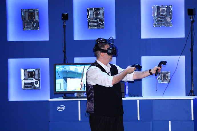 Intel's WiGig technology is pushing VR forward, including an unt