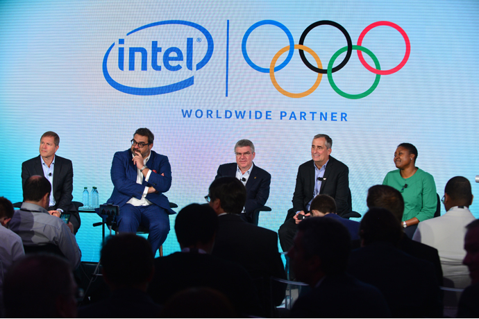 From left to right, Timo Lumme, Yiannis Exarchos, Thomas Bach, B