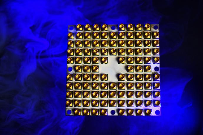 Intel-Quantum-49-qubit-1