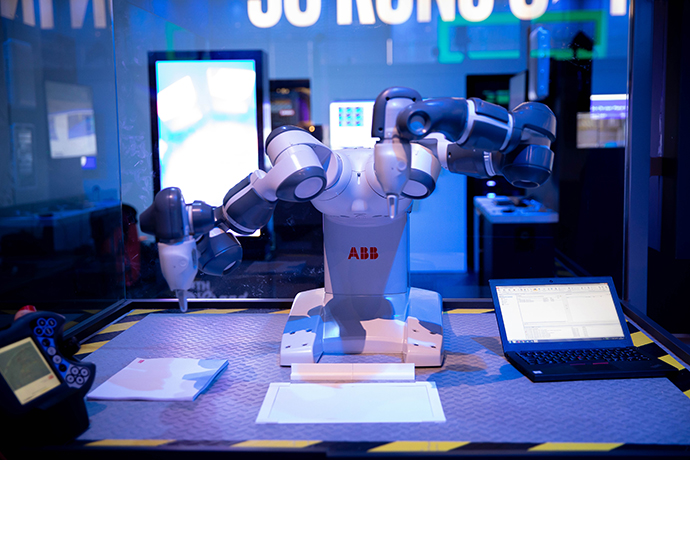 Intel MWC Booth 1 7