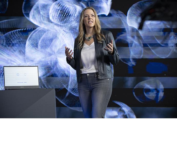 Intel Lisa Spelman 3rd Gen Xeon 1 87769451