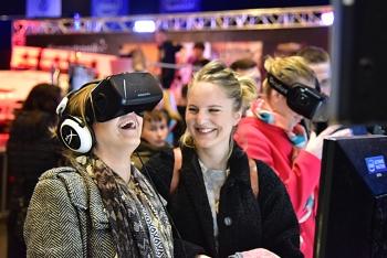 VR_Women_IEM_booth_1536.jpg